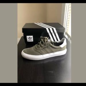 *SOLD* adidas 3MC Vulc unisex sneakers